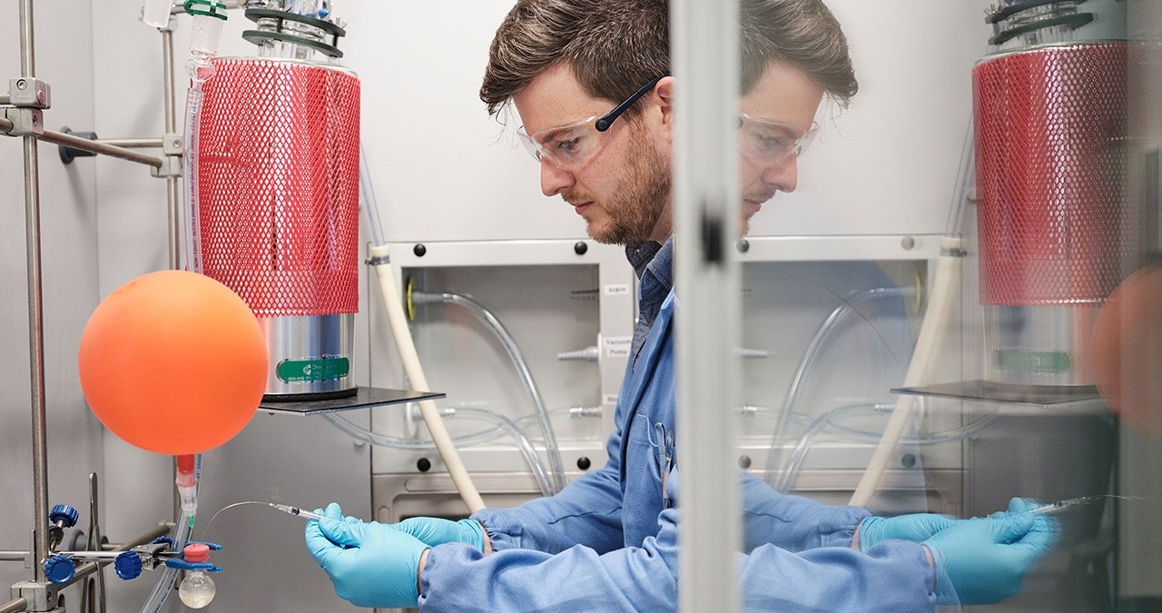 Assistant Professor of Chemistry Alan Healy in a laboratory.