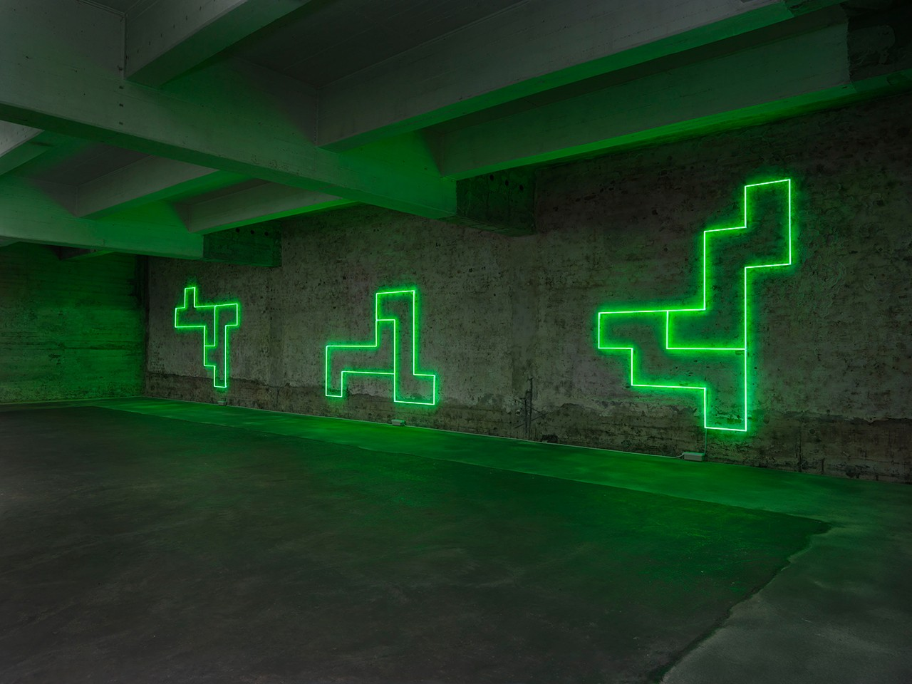 Title of Installation: In Green, in Line, in Pairs: Eleven Double Structures – Unfolding the Cube Material: Neon tubes green (12mm diameter) Dimensions: Dimensions variable in relation to space Exhibition: In situ: A Sequence of Works Berlin Tegel June 1 – 30, 2016