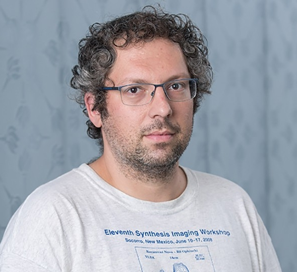 Joseph Gelfand, Associate Professor of Physics, NYUAD