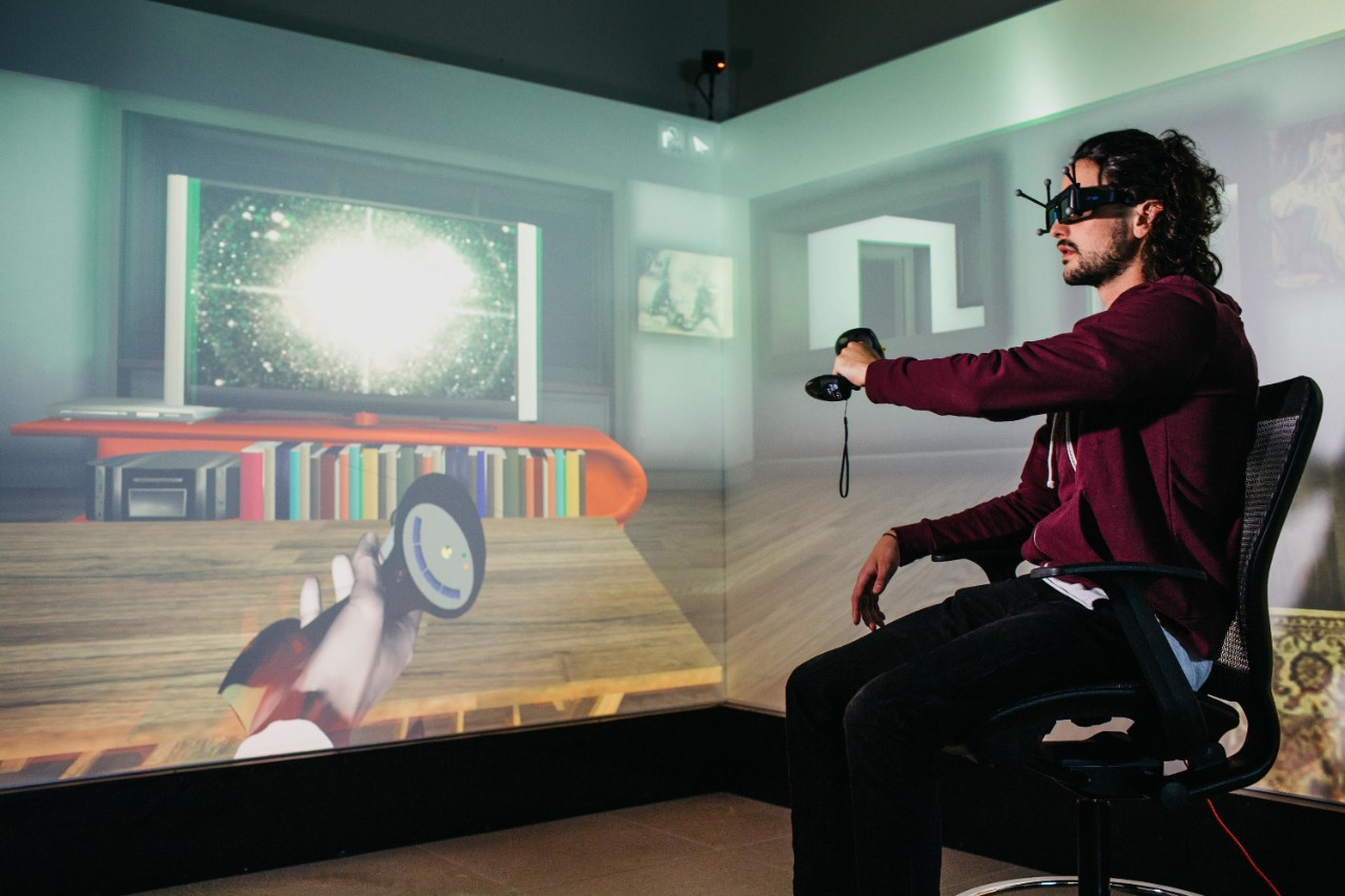 A student tests virtual technology at NYU Abu Dhabi.