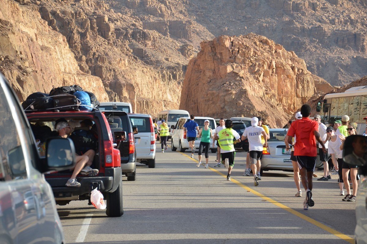 NYUAD Runners Travel to Jordan for 14th Annual Dead2Red Relay